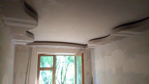 потолок со световой нишей